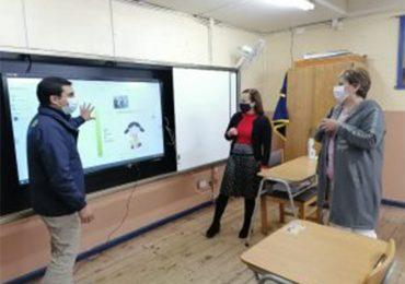 Directora Provincial de Educación, destaca la implementación de BigTablet y VirtualClass para realizar clases a través de asistencia híbrida y remota.